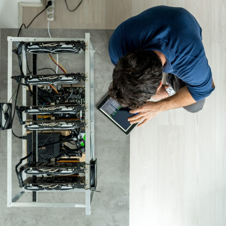A Guide to Building Your Own Mining Rig